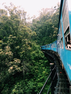 7h train ride through Sri Lanka's mountain tops